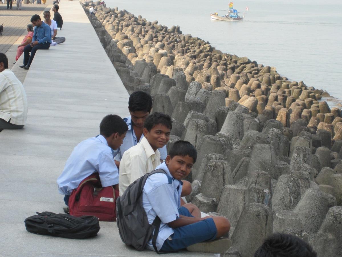 Schüler am Marine Drive