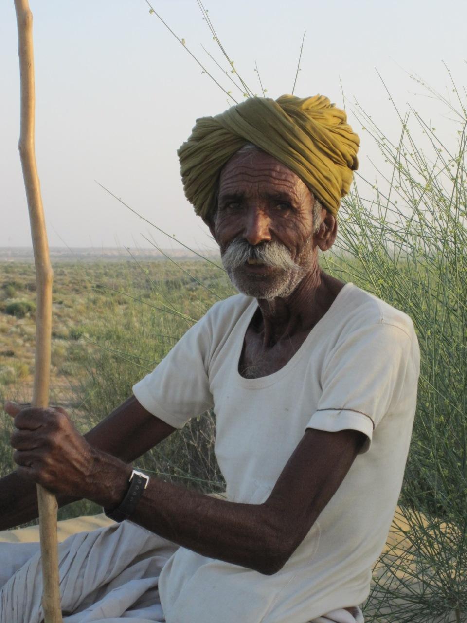 Ein schöner Mann - der Kamelbesitzer