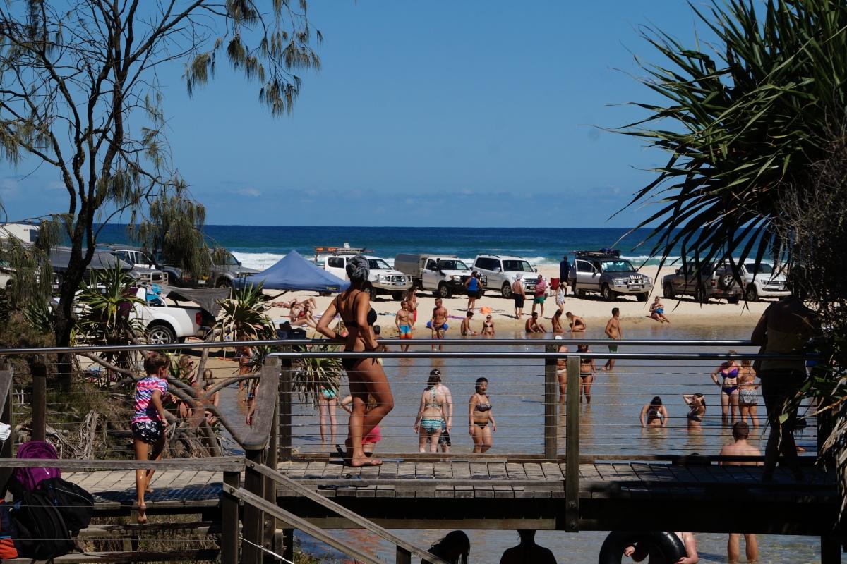 Hochbetrieb am Eli Creek in den australischen Sommerferien