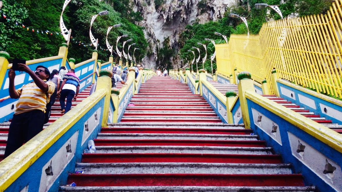 272 Stufen führen zu den Batu Caves