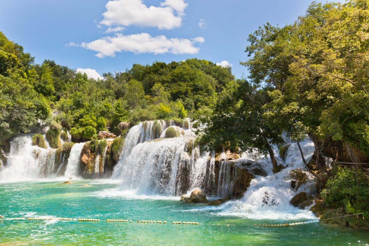 Krka Wasserfälle im Krka Nationalpark, Kroatien, Foto: Adobe Stock